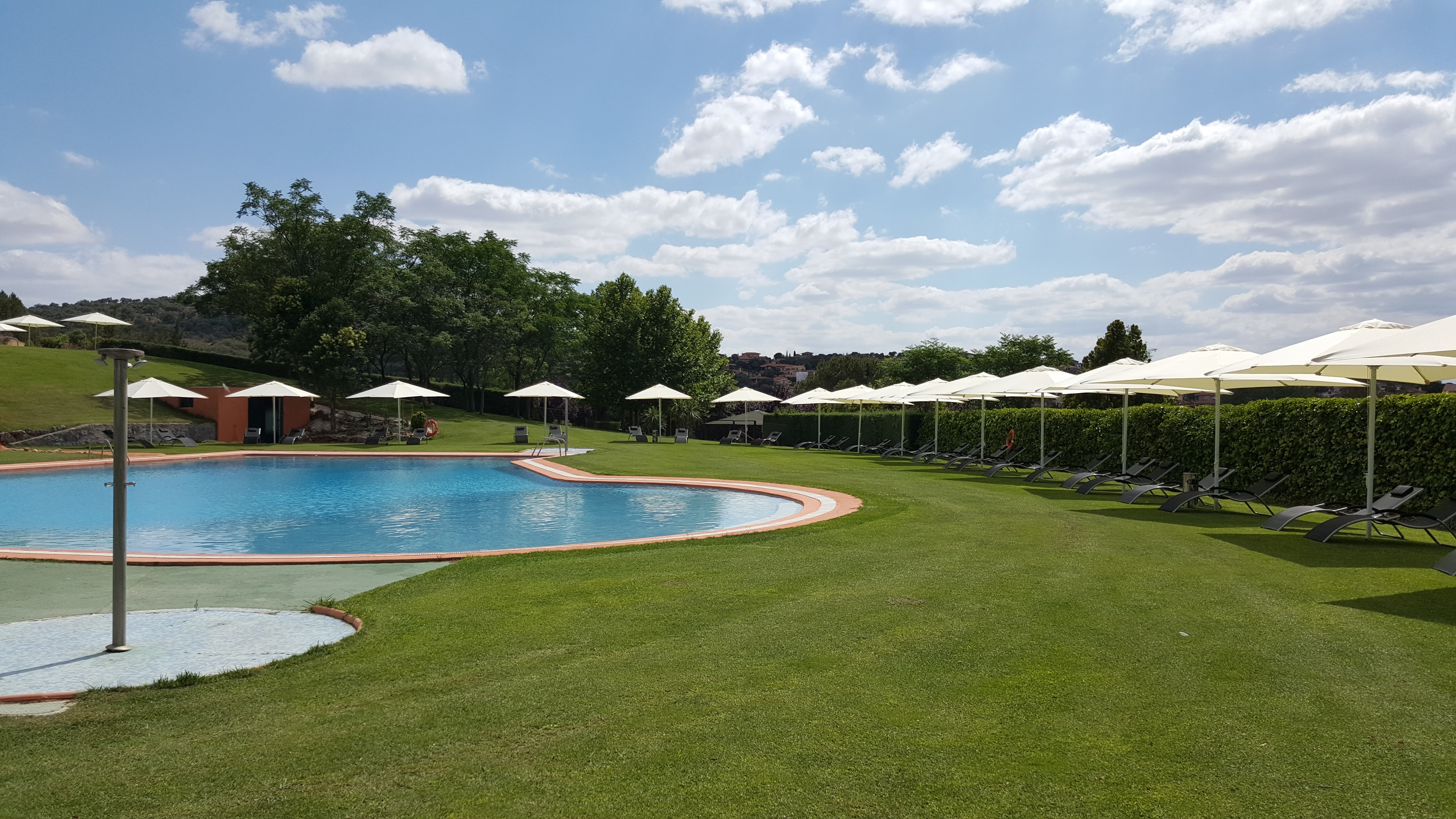 Apertura de piscinas temporada 2016 norba club de golf for Piscinas caceres